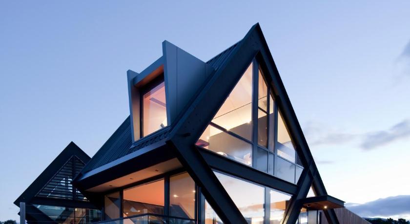 Villa MONA Pavilions