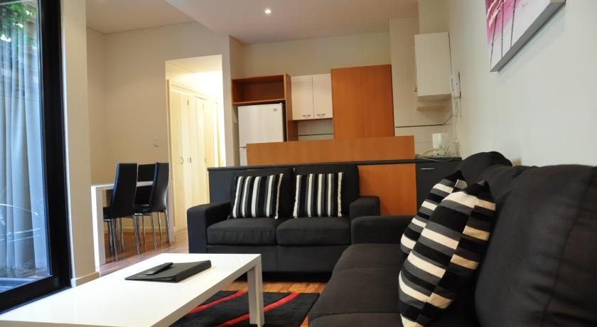 Condo Hotel Quest On Sturt-Serviceds