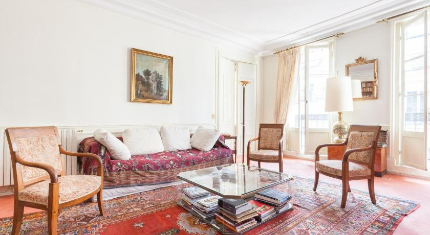 Champs-Elysées Apartments by Onefinestay (Paris)