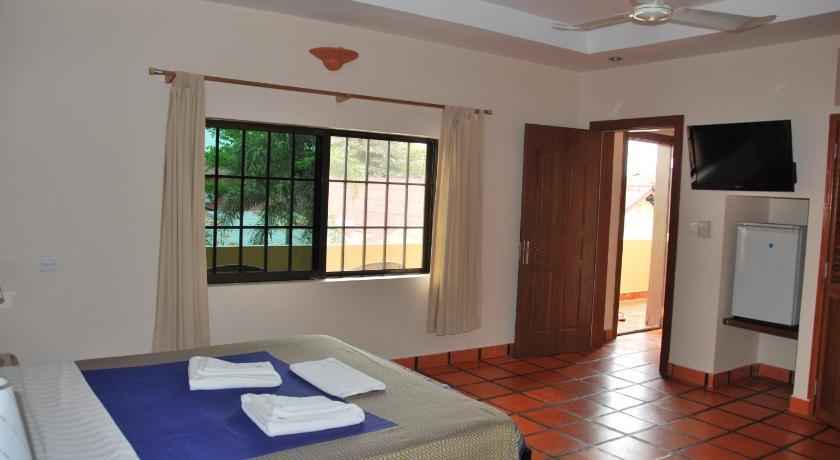 http://q-ec.bstatic.com/images/hotel/840x460/347/34746093.jpg