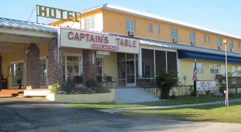 Captain's Table Lodge and Villas Picture