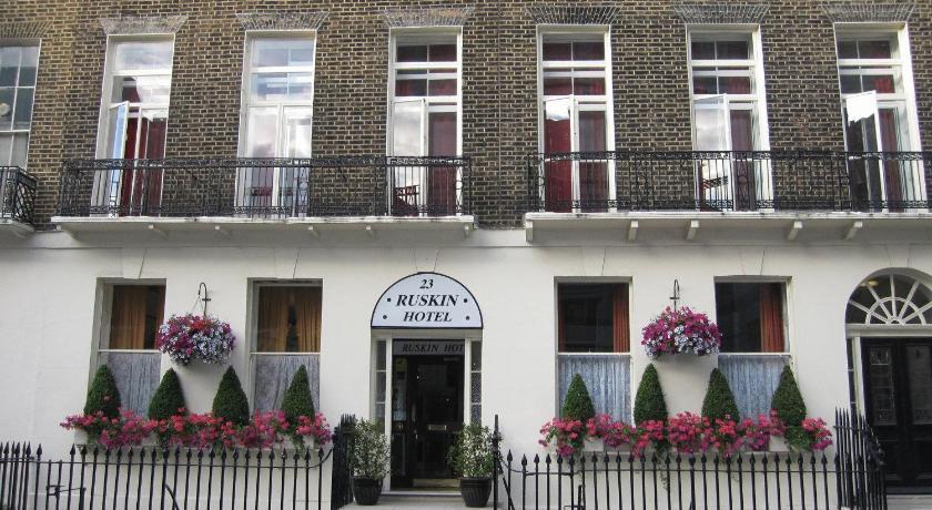 London Escorts Near Ruskin Hotel - B&B