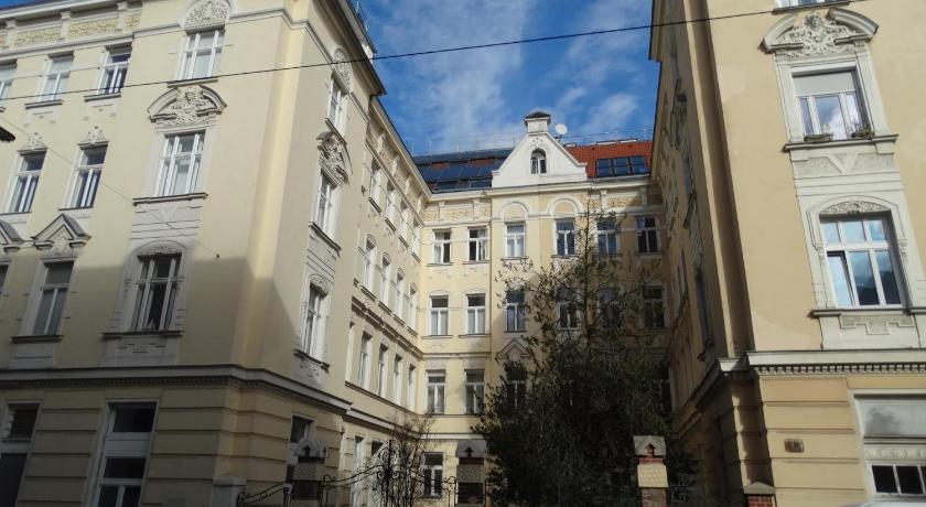 Altbau-Garconniere Schulgasse (Wien)