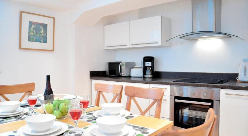 London Escorts Near River Side Apartments