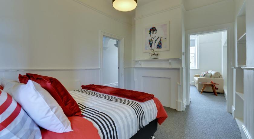 Apartment Portsea Place