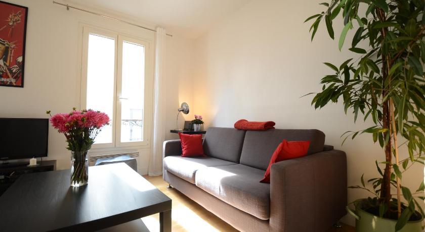 Friendly Rentals Amelie Montmartre Apartment (Paris)