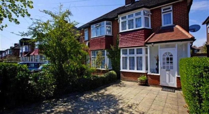 London Escorts Near Three-Bedroom House on The Vale
