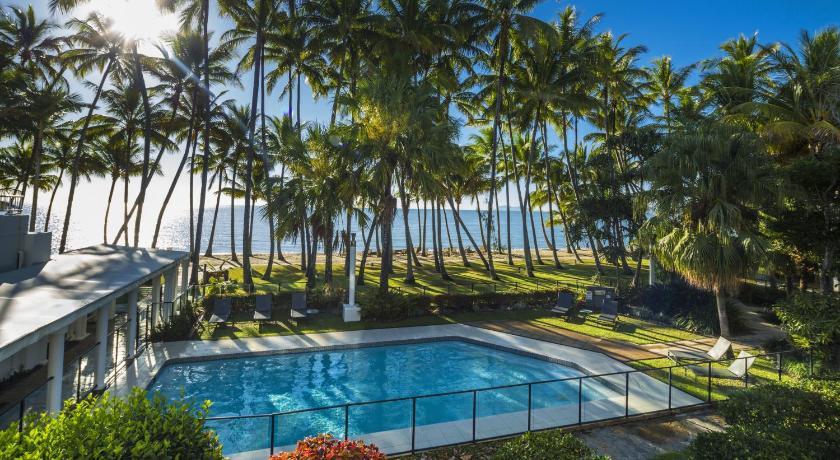 hotel alamanda palm cove by lancemore australia. Black Bedroom Furniture Sets. Home Design Ideas