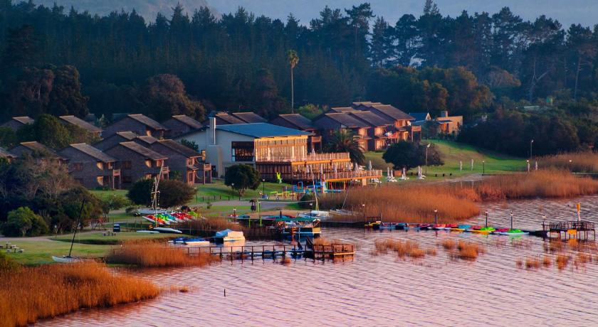 Sedgefield South Africa  City pictures : Resort Pine Lake Marina, Sedgefield, South Africa Booking.com