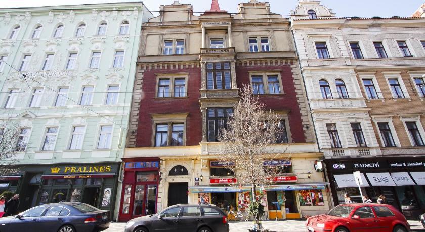 Outer Bailey Apartments (Prag)