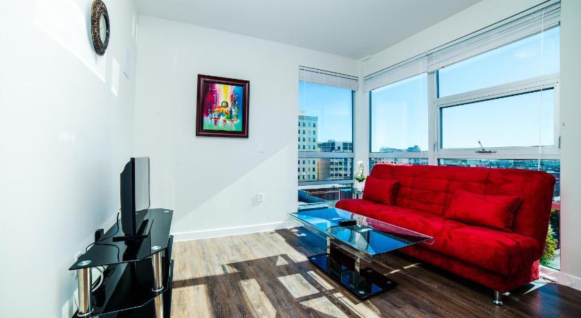 Downtown Amadeus Apartment (Los Angeles)