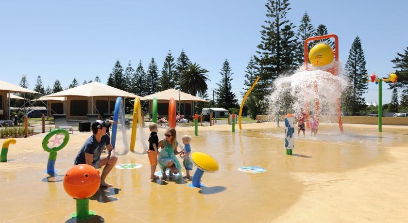 Resort Village Adelaide Shores Caravan Park