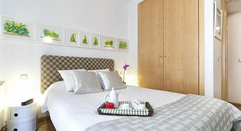 Chueca - Capuchinos Friendly Rentals (Madrid)