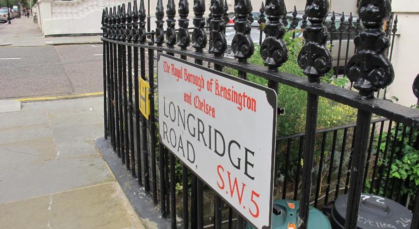 London Escorts Near Access Earls Court