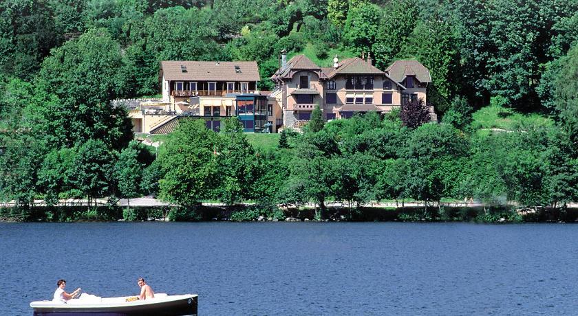 H tel le manoir au lac g rardmer france for Piscine du lac tours tarif