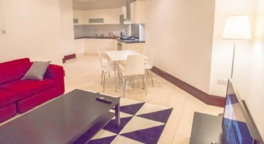 London Escorts Near Two-Bedroom Apartment in Barbican