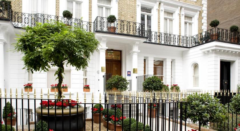 London Escorts Near Beaufort House - Knightsbridge
