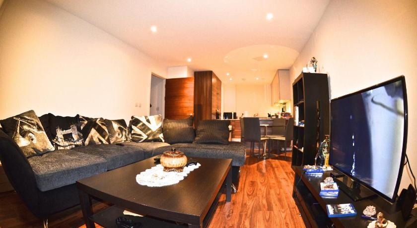 Bromyard Avenue Apartments (London)