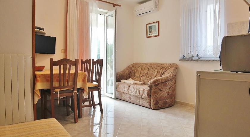 Apartments Silvano 407 (Porec)