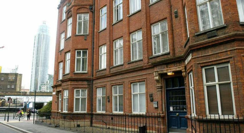 London Escorts Near Victorian 2 Bed Flat Vauxhall Park