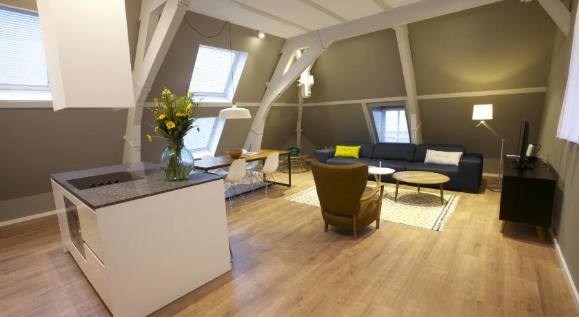 Apartments De Hallen (Amsterdam)