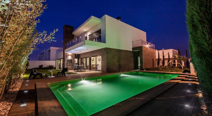 4 evora hostel vora portugal. Black Bedroom Furniture Sets. Home Design Ideas