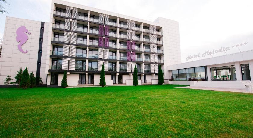 Hotel Melodia, Facade/entrance
