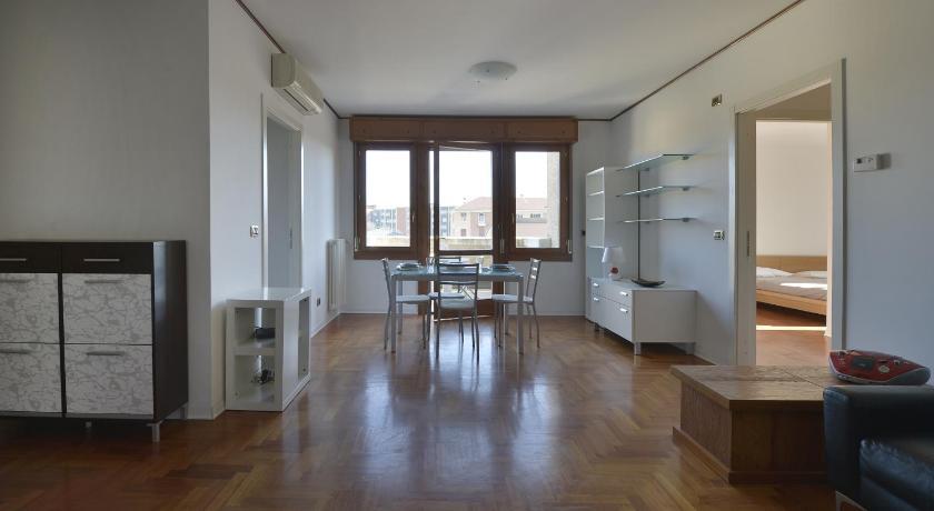Aurelio Saffi Halldis Apartment (Bologna)