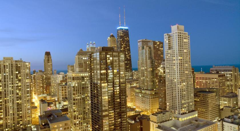 Chicago Premier Suites in Chicago