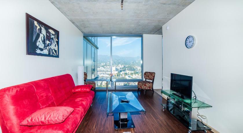 Hollywood Banderas Apartment (Los Angeles)