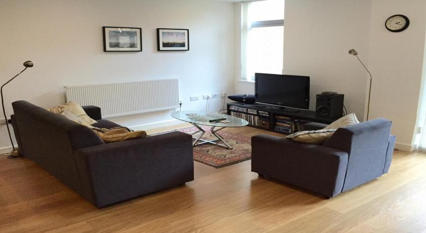 London Escorts Near Apartments Park West