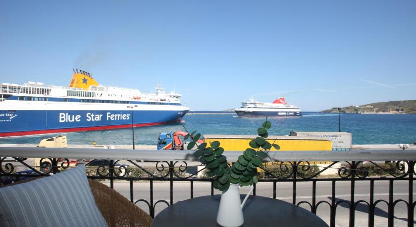 Esperance 1, Hotel, 48 Akti Papagou and Folegandrou, Ermoupoli, Siros,  84100, Greece