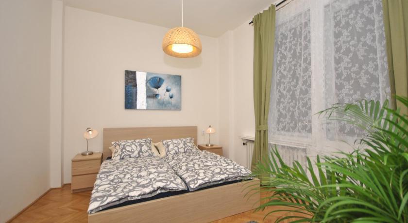 Nice Apartment with Terrace (Prag)