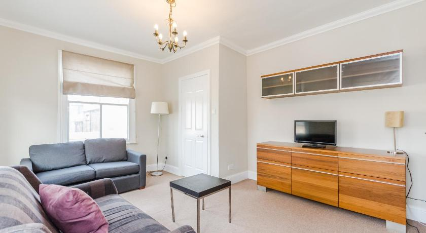 London Escorts Near FG Property - Battersea Two Bedroom Apartment