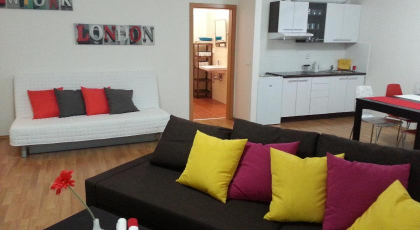 Praha New Apartment in Prag