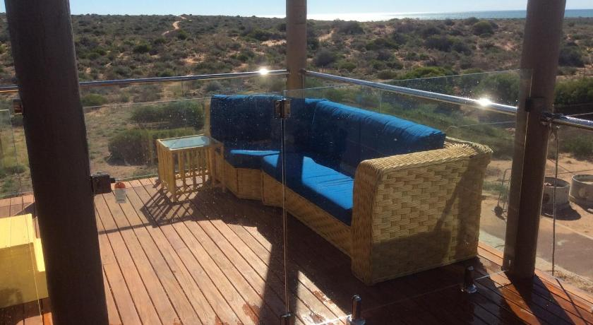 Bed and Breakfast On the Deck @ Shark Bay