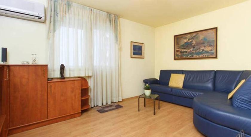 Comfy Biokovska Apartment (Split)