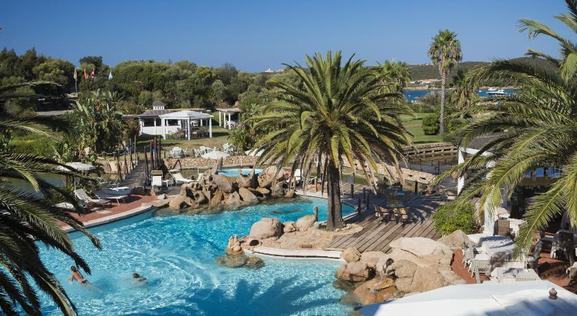 Hotel le palme porto cervo italie for Reservation hotel italie