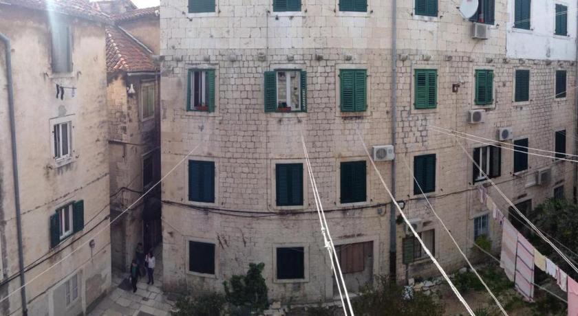 Rooms Cardo in Split