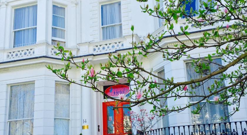 London Escorts Near Blue Bells Hotel