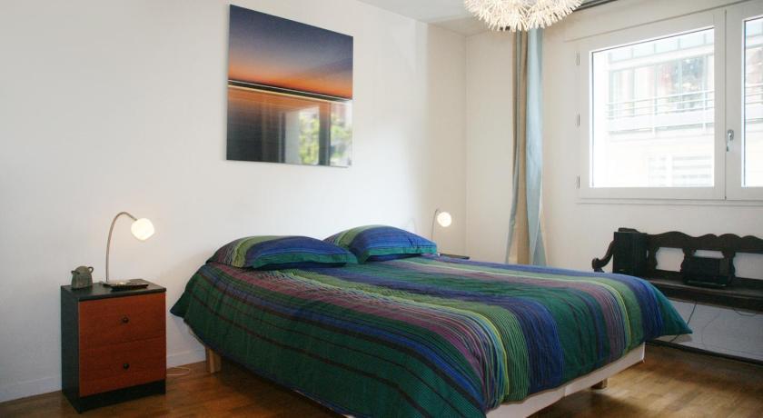 Apartment Pierre Demours - 4 adults (Paris)