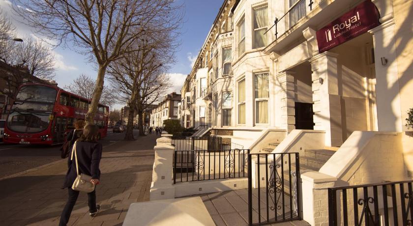 London Escorts Near Royal London Hotel