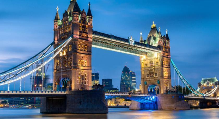 London Escorts Near Piccadilly Prestige Apartments