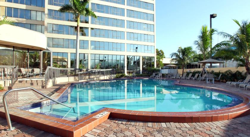 Hotel Howard Johnson Plaza Hialeah Gardens