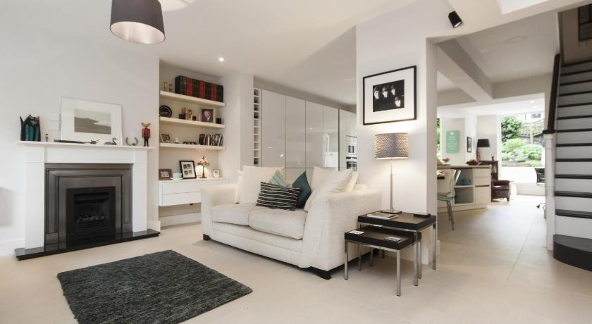 London Escorts Near onefinestay - Hampstead apartments