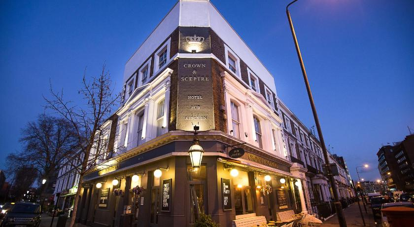 The Crown and Sceptre (London)