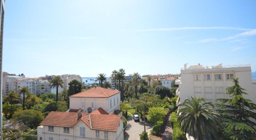 Palais Bel Azur (Cannes)