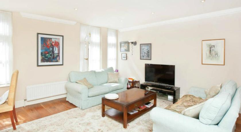 London Escorts Near Maddox Street Luxury Apartment