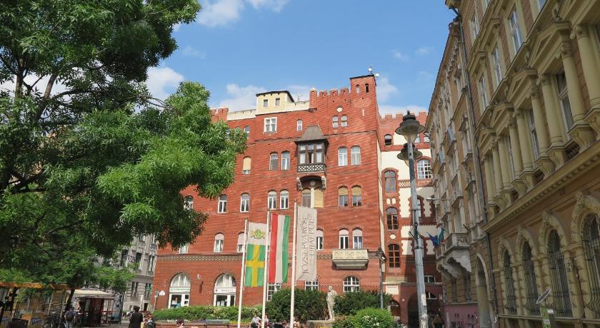 Jó Itt Pesten (Budapest)