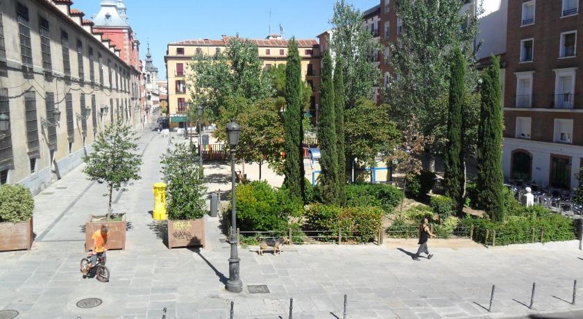 Conde Duque Apartment (Madrid)